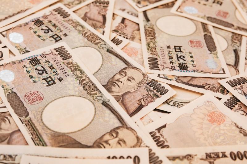 酒で1年に1000万円以上無駄遣いした