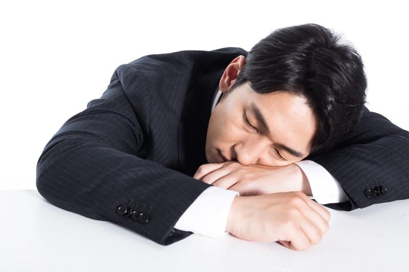土日も出勤・徹夜、残業時間が200時間を超える