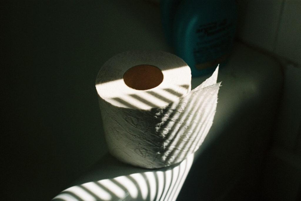 精神病院・閉鎖病棟・保護室のトイレ