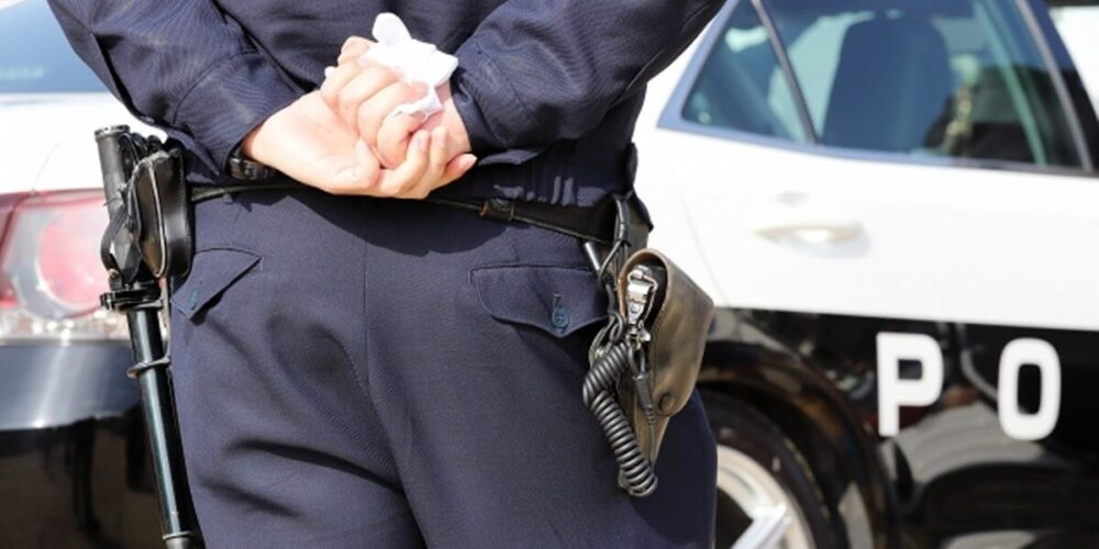 留置場の警察官