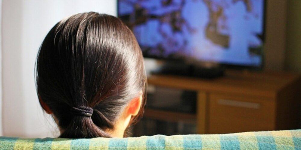 精神科・閉鎖病棟のデイルームのテレビ
