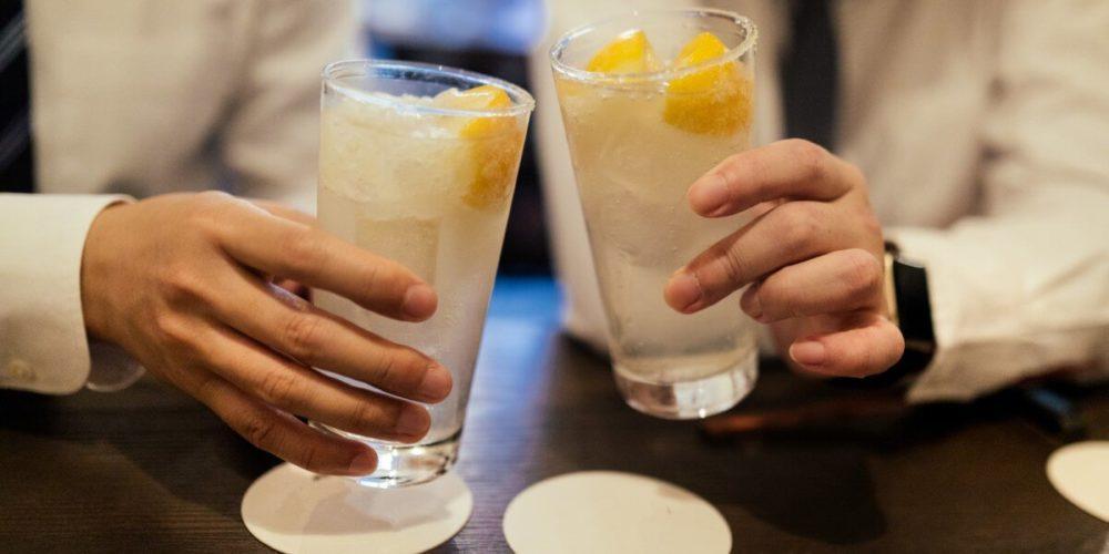 連続飲酒のきっかけの最初の1杯