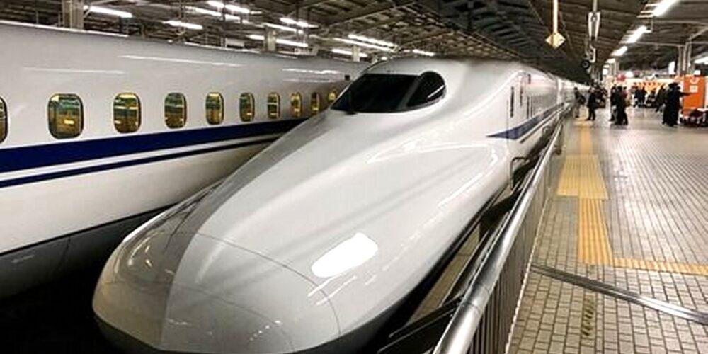 博多まで逃走する新幹線